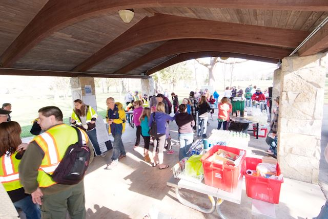 2015_Menomonee_River_Cleanup_Menomonee_Falls (9 of 57)