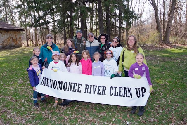 2015_Menomonee_River_Cleanup_Menomonee_Falls (18 of 57)