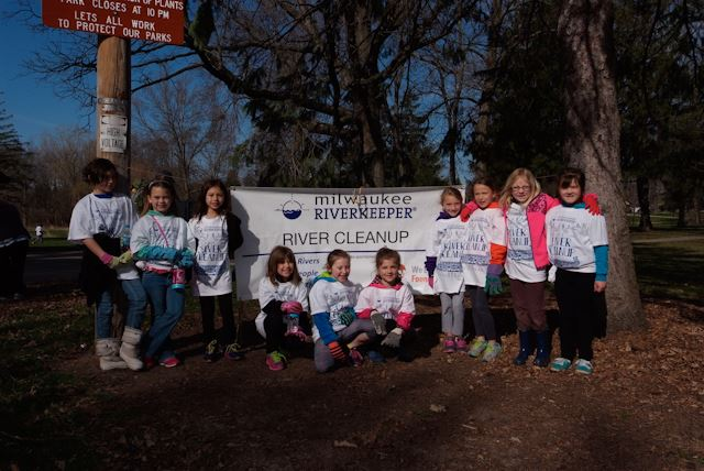 2015_Menomonee_River_Cleanup_Menomonee_Falls (19 of 57)