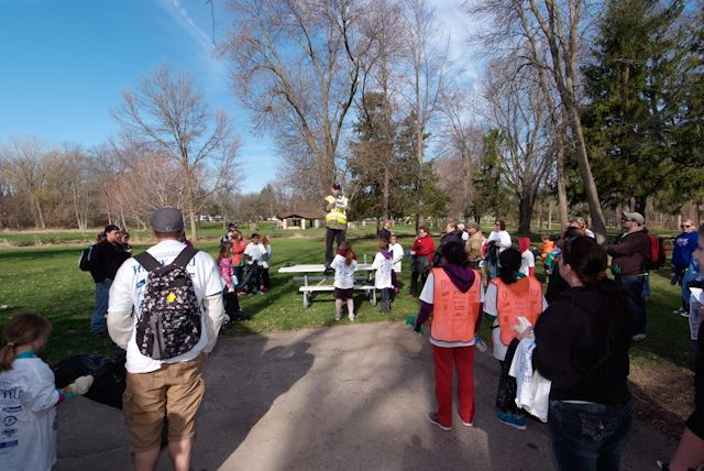 2015_Menomonee_River_Cleanup_Menomonee_Falls (21 of 57)