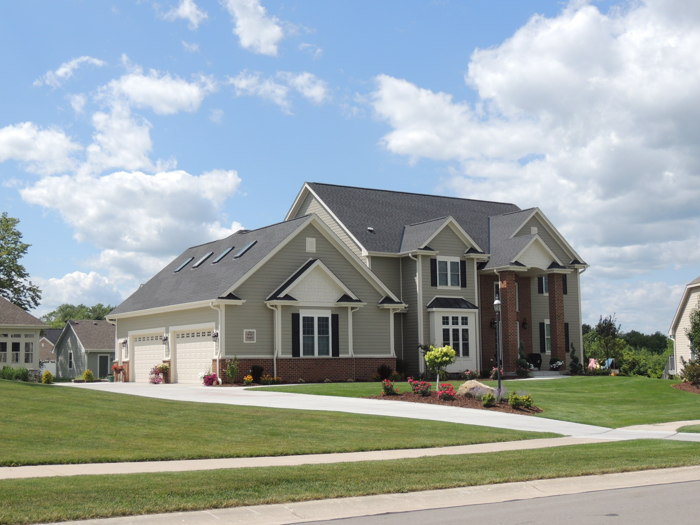 singles in menomonee falls W185n8550 lawrence ave, menomonee falls wi 53051 | best value new construction in the falls a gallery of design & upscale finishes are yours in this o.