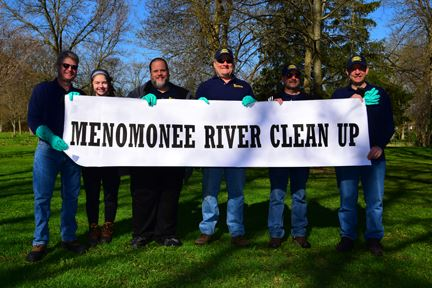 Menomonee River Cleanup (9 of 63)sm