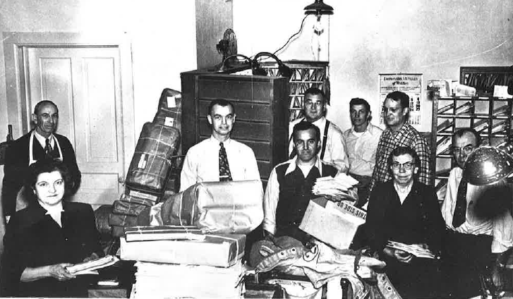 Post Office Employees in 1952